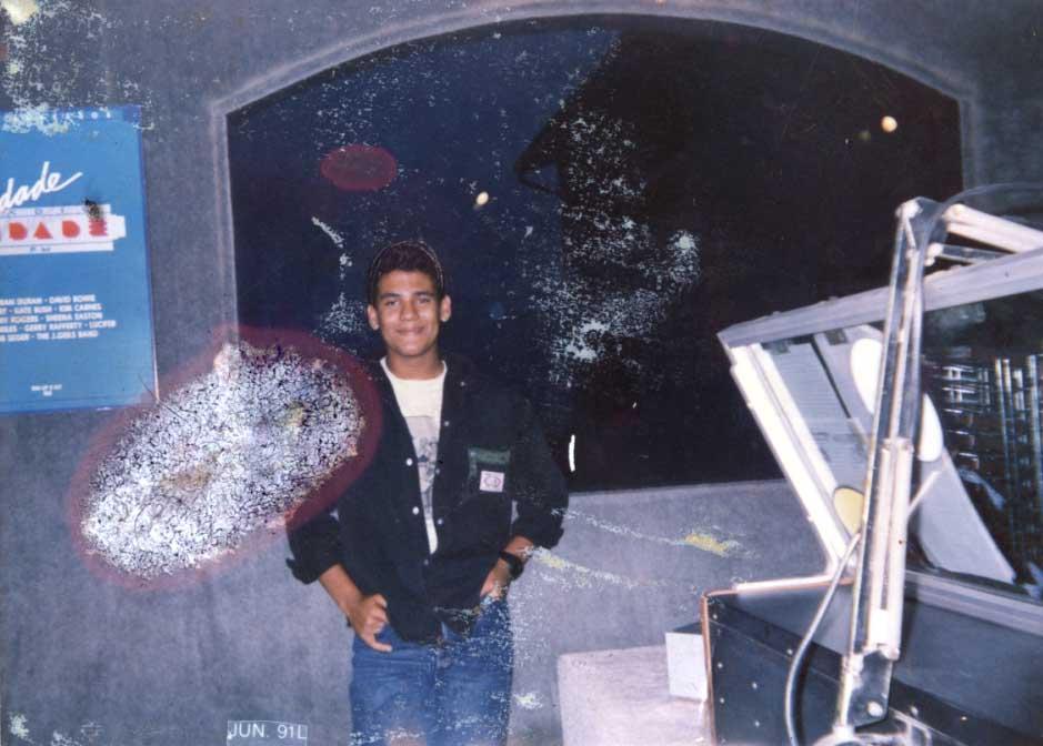 Luís Cláudio no estúdio da Rádio Cidade - 1991