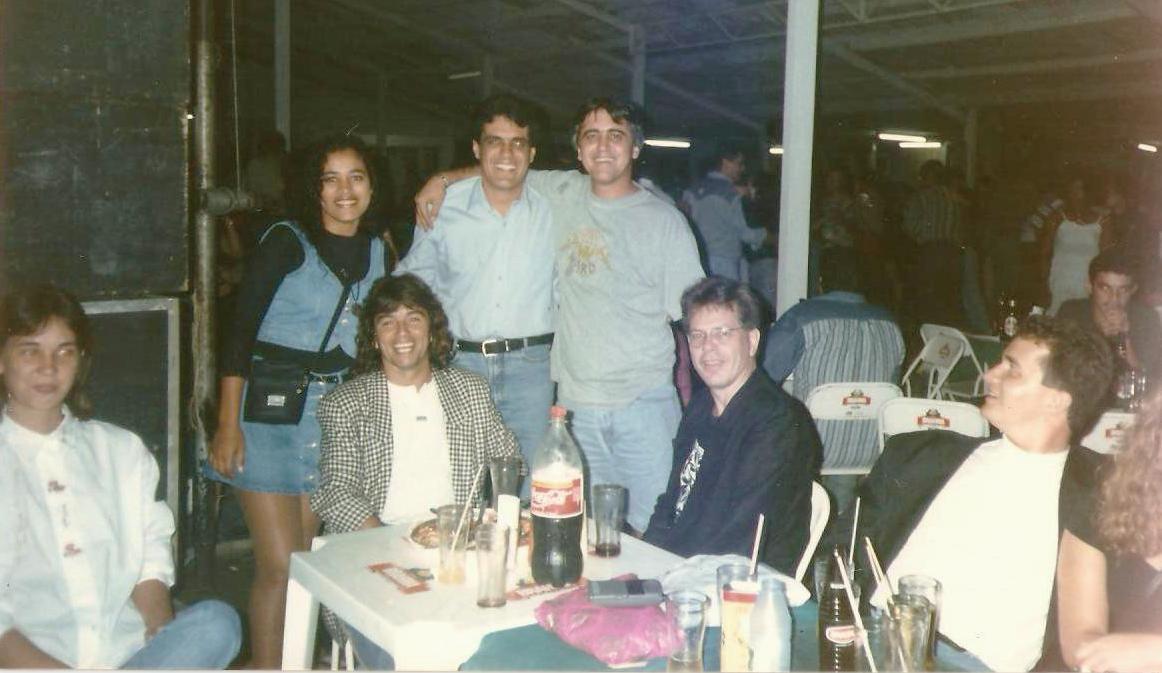 Antário Filho e equipe da Rádio Tropical - anos 90