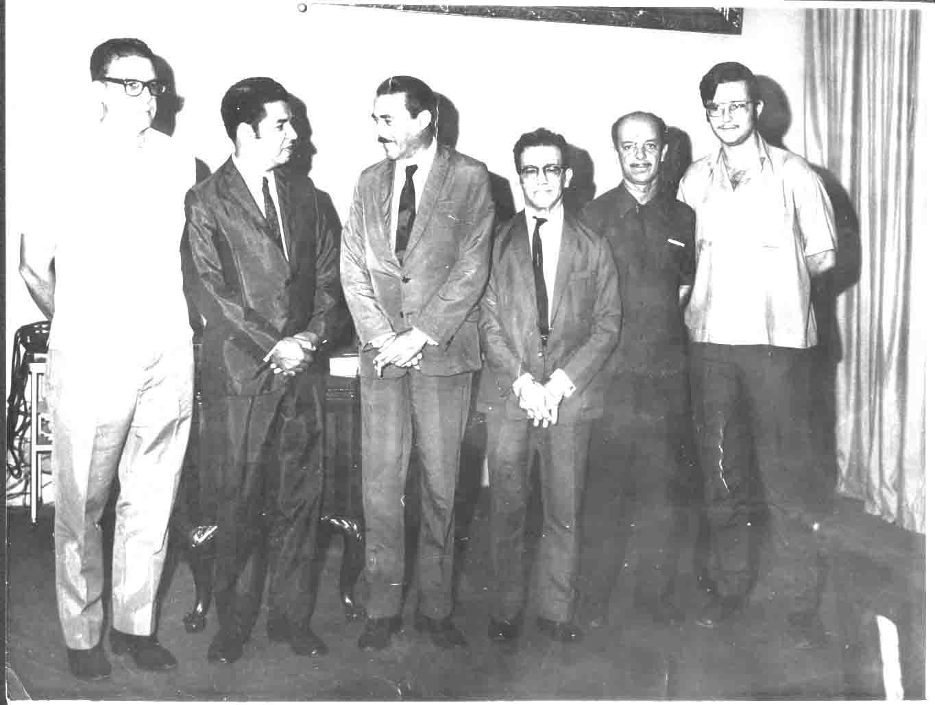 Silvio Marques (falecido), Luis Carlos Peixoto (falecido), Décio Trevenard, Procurador da PMV, Holdar Neves Loyola  e Miguel Deps Talon (falecido) - Posse de Luis Carlos Peixoto como Prefeito de Vitória - 1969